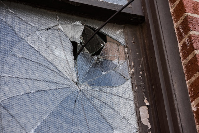 broken-shattered-window
